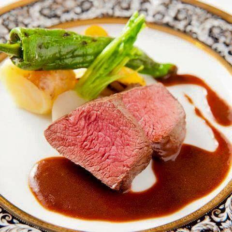 鹿児島県産牛フィレ肉のポワレ 赤ワインソースで