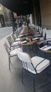 パリにはオシャレなカフェがいっぱい
