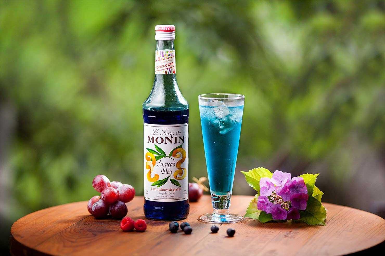 甘いフレーバーシロップを炭酸水で割るディアボロに、フランスを代表するシロップ MONIN(モナン)を使っています。