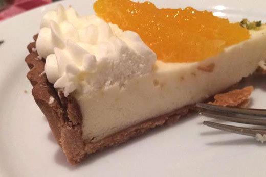 新作ケーキ ホワイトチョコとチーズのタルトのご紹介
